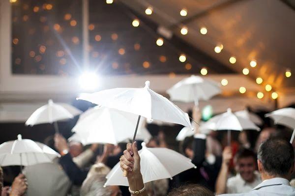 deco-boda-con-paraguas-5